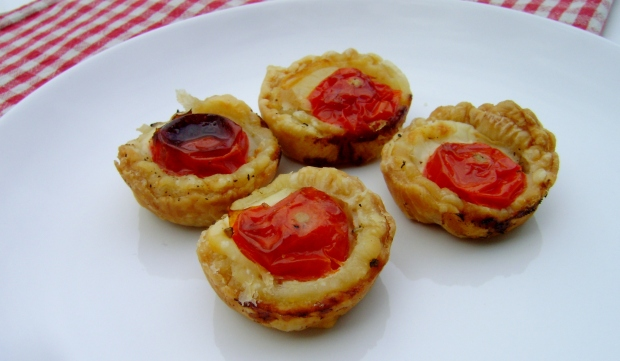 Couldnt be easier Cheese and Tomato Canapes madebyjayne.com