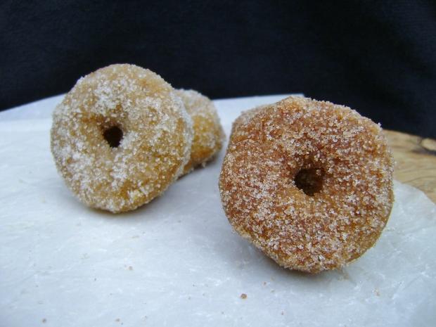 mini pumpkin donuts madebyjayne.com